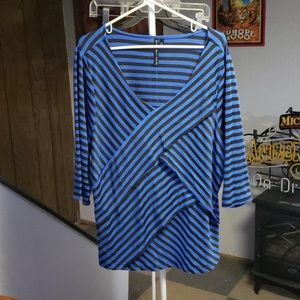 Blue with black zig zag stripes. Tapered layers.